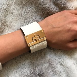 Express white leather cuff EUC ✨